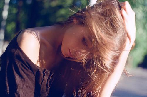 唯美意境伤感女生背影图片