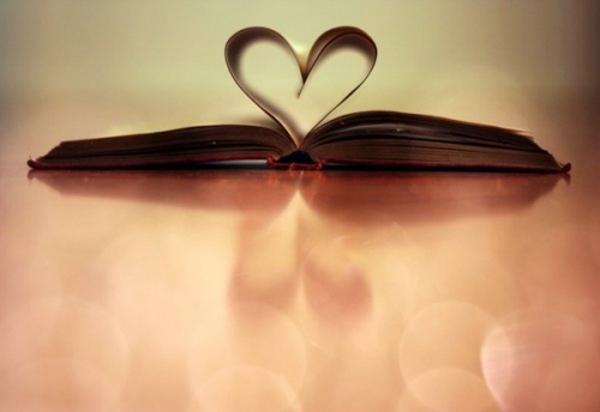 书里的心形 唯美意境图片