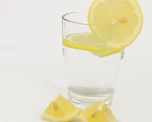 击退夏日肌肤问题 你需要点酸甜水果!