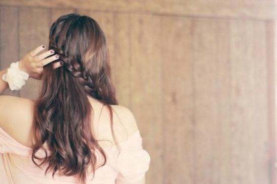 为爱悲伤孤独的女生背影唯美图片